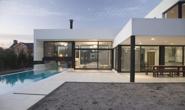 Architecture, Black And White Contemporary Family House: White House With Black Framework