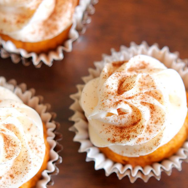 Delicious Pumpkin Cupcakes with Cream Cheese Frosting