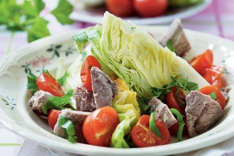 Saltet lam med spidskål og tomat