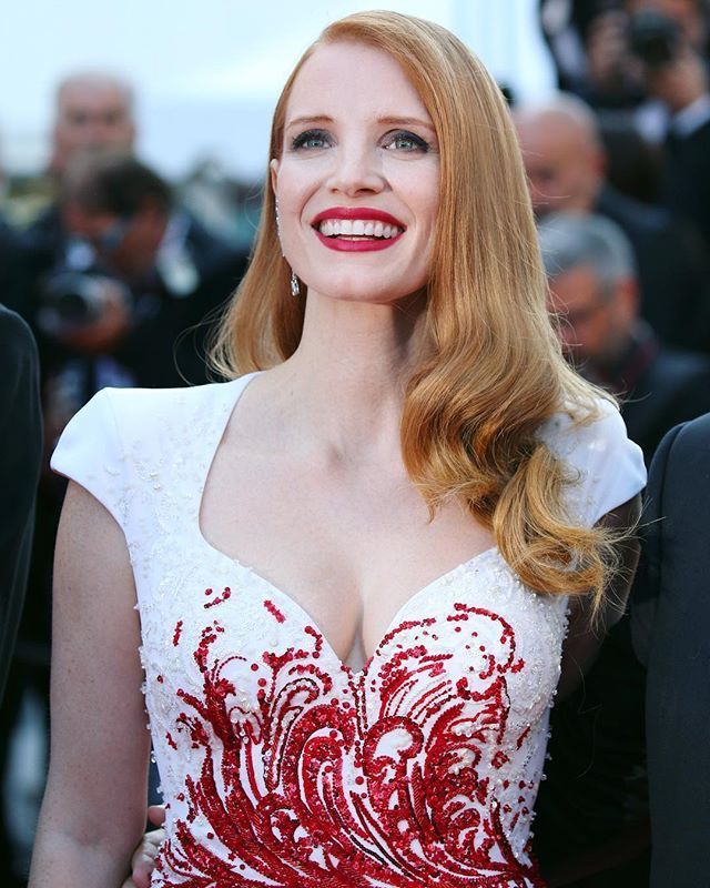 WHO: Jessica Chastain WEARING: Zuhair Murad WHEN: Festival di Cannes WHERE: Red carpet di Cannes  Nel link in bio la classifica dei migliori look dal photocall al red carpet #MCinstanews #JessicaChastain #ZuhairMurad #Cannes2017 #LookDelleStar #Bestdressed #CannesfilmFestival #Cannes #FestivaldeCannes #Diva #PhotoCall #RedCarpet #Moviestar : @gettyimages  via MARIE CLAIRE ITALIA MAGAZINE OFFICIAL INSTAGRAM - Celebrity  Fashion  Haute Couture  Advertising  Culture  Beauty  Editorial…