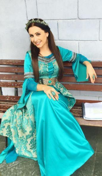 Princesa Melina (Carla Diaz) A terra Prometida vestido