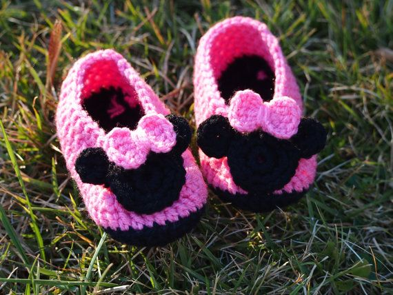 Free Crochet Pattern Minnie Mouse Shoes : 17 Best images about Crochet shoes on Pinterest Free ...