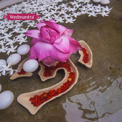 #wedmantra #wedding #indianwedding #weddinginindia #weddingplanner #eventplanner #traditionalwedding #traditional #weddingritual #flowerdecor