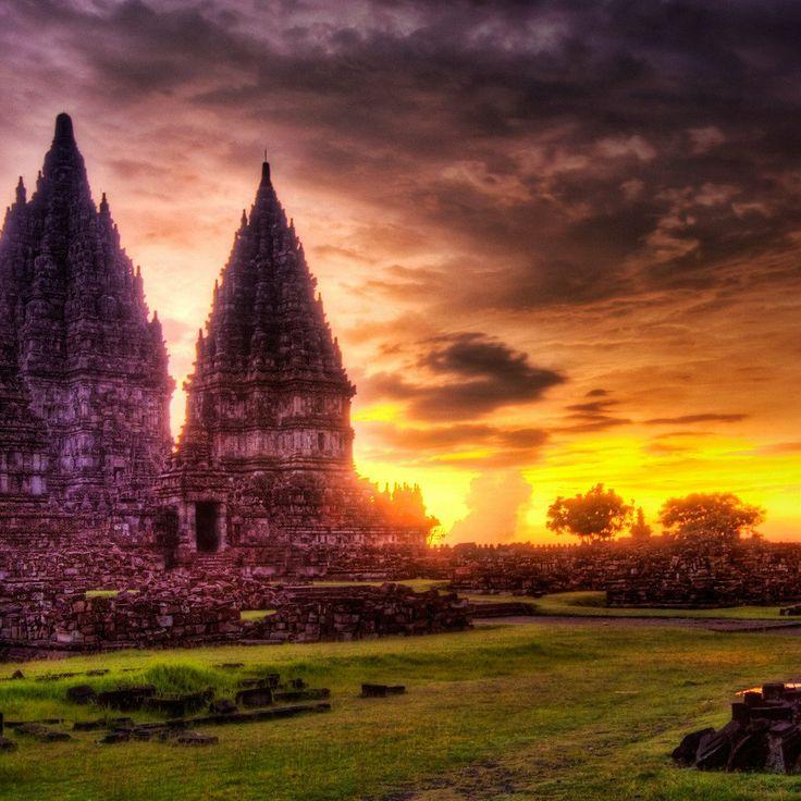 Lost Hindu Temple Indonesia Wallpaper