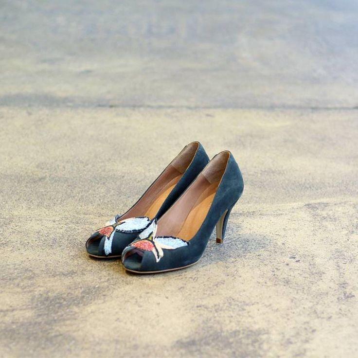 > Nouveauté - Escarpins Swan Lake - Nouvelle Collection AH17/18 - Déjà disponible en boutiques et bientôt sur Sessun.com. ⠀⠀  ⠀  > New in - Peep-toe Swan Lake stilettoes - New AW17/18 collection - Now available in stores and soon online at Sessun.com. ⠀⠀  ⠀⠀  #sessun #shoes #fashion #love #autumn #new #photooftheday #ootd