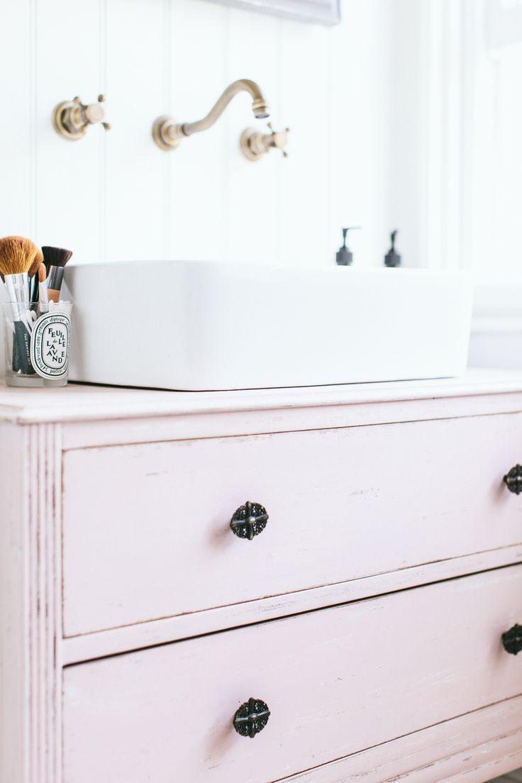 Diy Chalk Pink Sink Unit - Image By Adam Crohill
