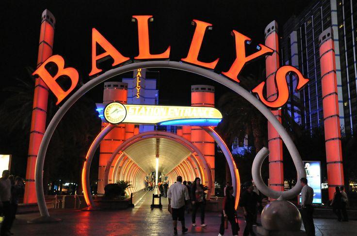 Ballys, uno de los sitios donde debes dirigirte al llegar a #LasVegas. Está ubicado en #TheStrip y cuenta con más de 2.800 habitaciones disponibles para los viajeros. http://www.bestday.com.mx/Las-Vegas-area-Nevada/ReservaHoteles/