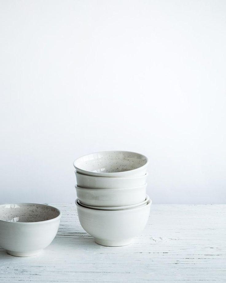 Small Porcelain Bowl / Petit bol en porcelaine – atelier make
