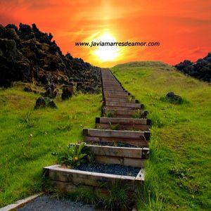 Buscando descubrí que los caminos más importantes son los que van hacia nuestro interior. de esta forma descubriremos el verdadero sentido de la vida.