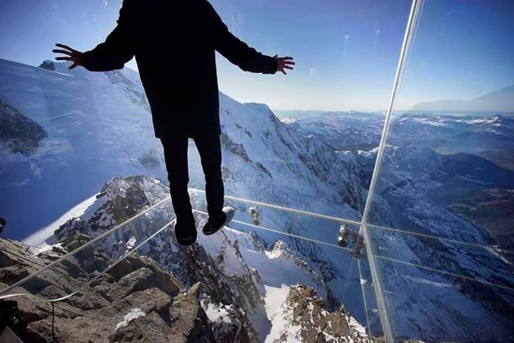 Know someone with vertigo? Tag them in this post   The picture was taken in Chamonix.
