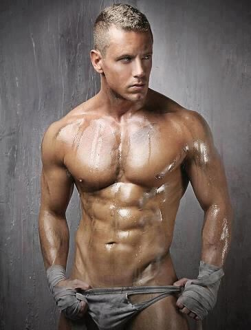 .Beautiful Men,  Bath Trunks, Eye Candies, Gay Men, Swimming Trunks, Hot Guys, New Years, Hot Men, Male Models