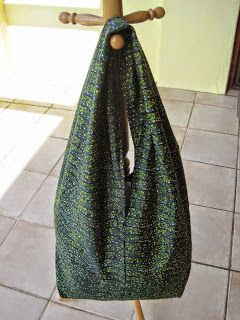 How to and pattern for this easy fabric hand bag Slouchy bag This slouchy bag is easy to make, roomy enough to use as a beach bag and great for up-cycling old curtains, tablecloths or linen. Maybe even recycle a maxi skirt or winter scarf you've grown tired of? You can see the tutorial for this …