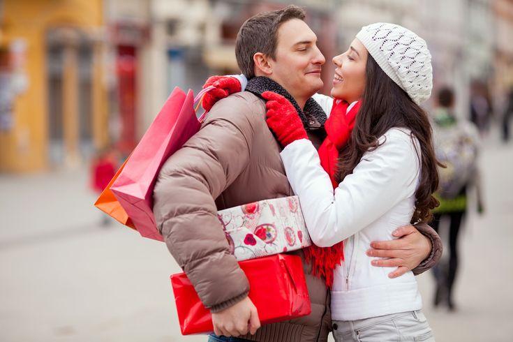 Что подарить любимой девушке на День святого Валентина  #ДеньсвятогоВалентина #деньвлюбленных #подарки #отношения #праздники #любовь