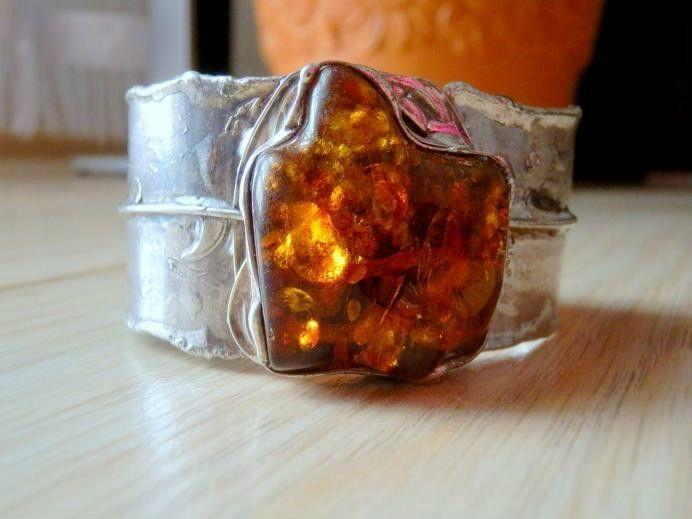 http://megasilver.pl/bransoleta-z-bursztynem-p137 #Bracelet #metalwork #handmade #yellow #orange #bursztyn #amber #stone #jewelry #jewellery
