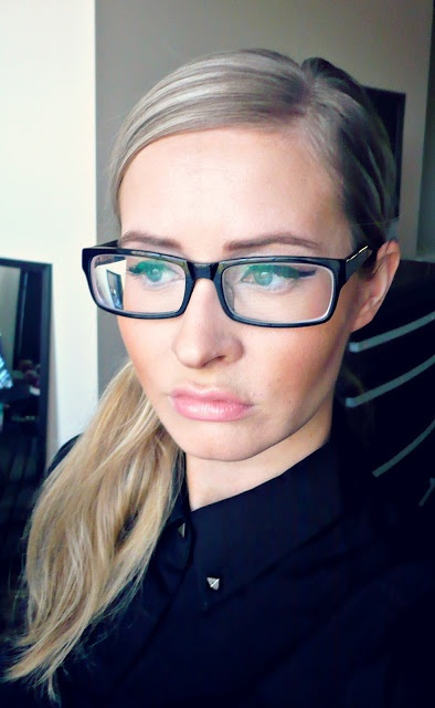 Jezz Dallas ☵ MAKE-UP your mind.: Make-Up for people with glasses and look at my new pair!