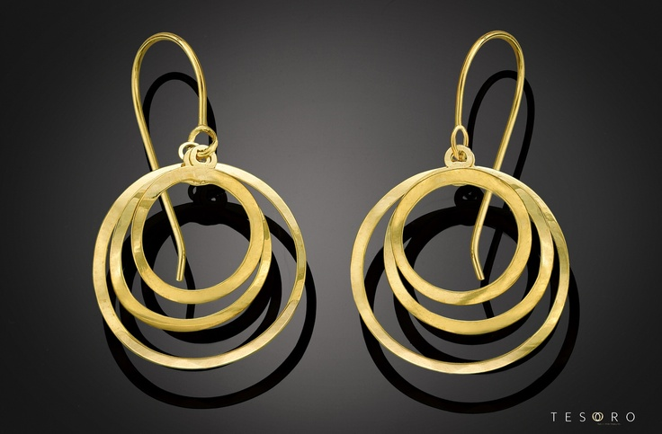 Tesoro 2012 High Fashion collection - stunning new yellow gold dangle earrings set in 9 karat yellow gold. MADE IN ITALY