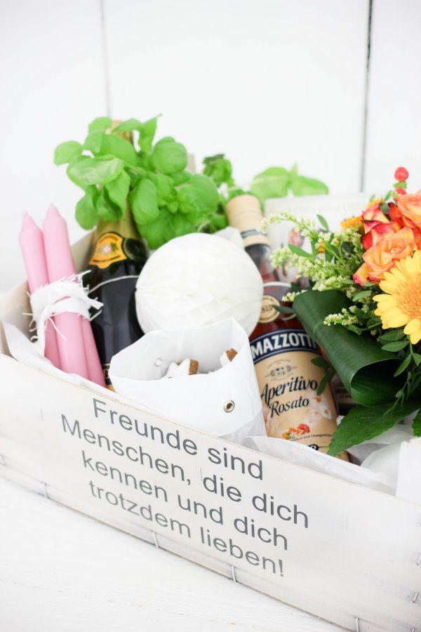 Eine DIY Kiste für die beste Freundin - in der BFF Box steckt alles, was man für einen tollen Mädelsabend benötigt!