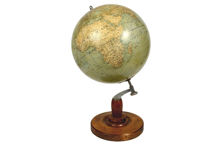 Very large antique terrestrial globe edite by Girard et Barrere in 1930's. There are territorial maps, oceanic currents and commercial routes. Papier maché sphere and turned wooden base. Height cm 84 - inches 33, diameter of sphere cm 48 - inches 18.89.