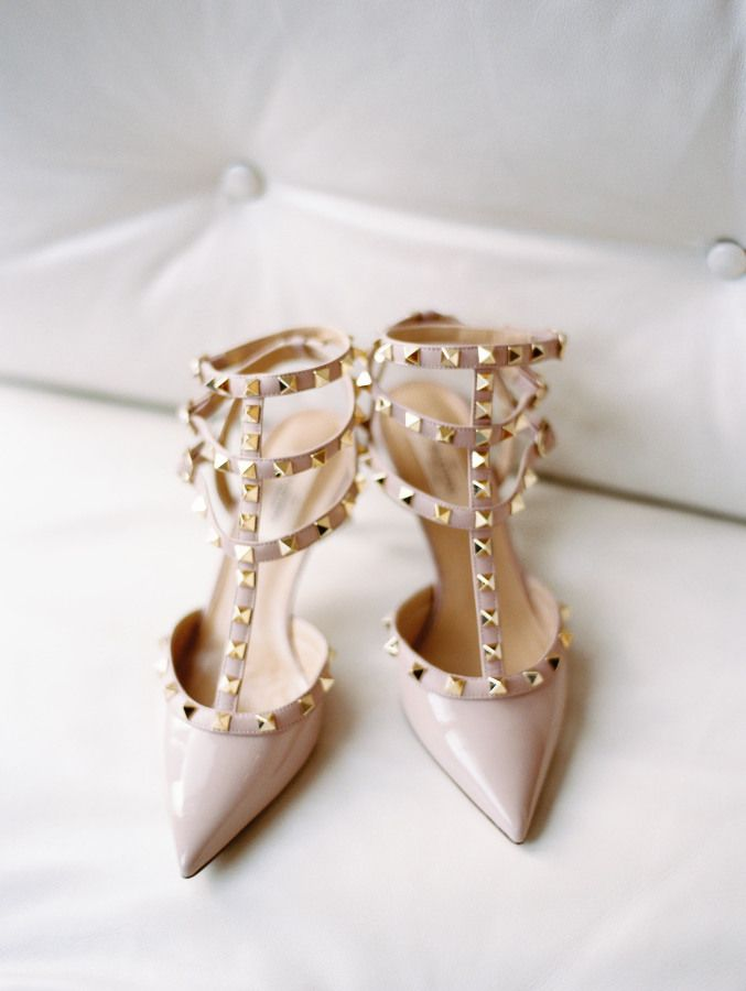 Nude studded Valentino pumps: http://www.stylemepretty.com/2016/02/10/organic-botanical-inspired-downtown-chicago-wedding/ | Photography: Olivia Leigh Photographie - http://olivialeighweddings.com/