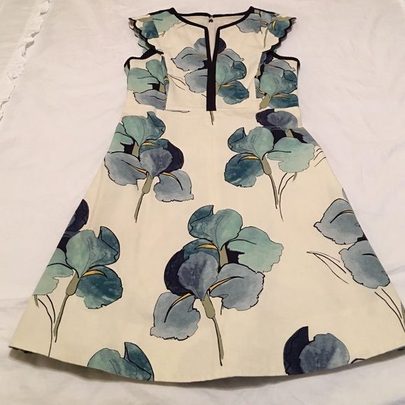 Tory Burch resort dress Beautiful, flattering, perfect condition Tory Burch Dresses