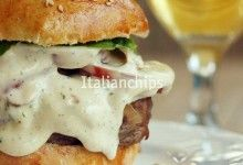 Una salsa da hamburger gustosa e facillissima da fare