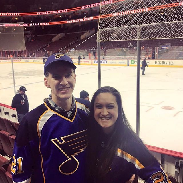 NEW BLOG POST about our 10 hour day trip to Philly and sixth NHL stadium to travel to! Read all about the delicious Philly cheesesteaks we ate, how we licked the Liberty Bell, toured Independence Hall, ate some more, and watched the St. Louis Blues whoop on the Philly Flyers! Link to post in bio. 🏒🥅 #OurSweetAdventures #TravelingWithASweetTooth . . . #TravelBloggers #TravelingCouples #TravelBloggerFeature #HM_Always #Philadelphia #Philly #VisitPhilly #Hockey #STLBlues #Flyers