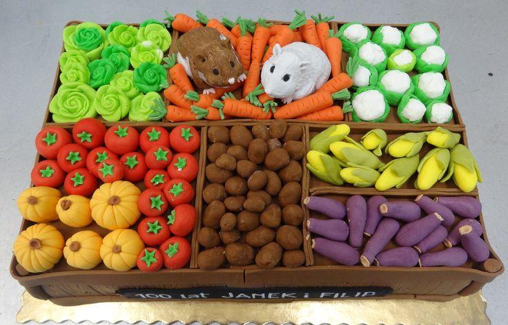 Tort skrzynka z warzywami