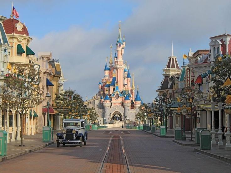 Disneyland Paris, France - Entrées gratuites au parc Disneyland Paris - Bon plan voyage de Belvedair à partir de 260€