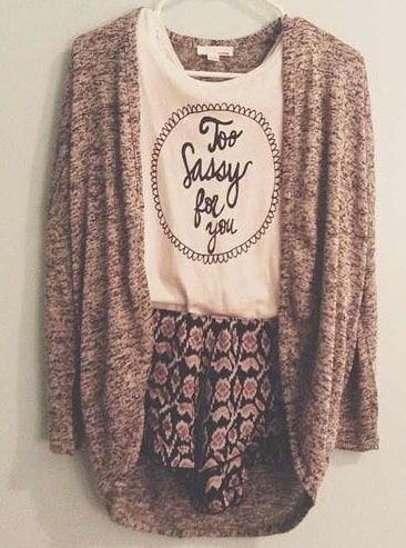 Loose sweater loose shorts