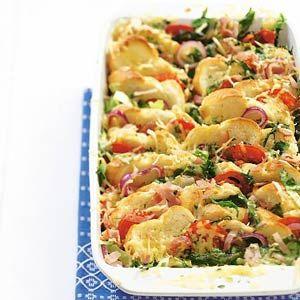 SUPER LEKKER! Broodschotel andijvie-ham-kaas. Vervang ham door in schijfjes gesneden en gebakken rundersaucijs.