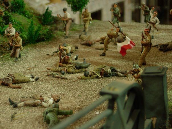 TNI in action to hit and run tactic to close combat with Ducth KNIL, 6 hour battle in Jogjakarta-Indonesia 1949, 1/35 scale diorama by ademodelart