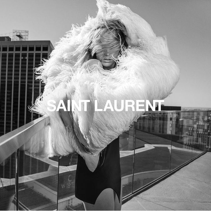 """1,084 Me gusta, 11 comentarios - Inezandvinoodh (@inezandvinoodh) en Instagram: """"Our campaign of @ysl by @anthonyvaccarello consists of 30 Images total, here is the 5 th image of…"""""""