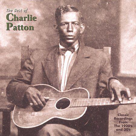 """Escrever sobre Blues e não destacar Charley Patton (1891-1934) é o mesmo que escrever sobre cinema e não lembrar de Alfred Hitchcock. E na minha opinião não é possível escrever sobre Patton e não destacar """"A Spoonful Blues"""". Dentre a média de 50 músicas gravadas entre 1929-1934 essa é sem dúvida a mais curiosa. Além de ser a única composição em que Patton utiliza a afinação Open E (Mi aberta), encontramos também mudanças entre 7 acordes ao invés de apenas 3 e o detalhe mais interessantes:"""