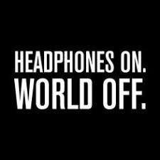 Kopfhörer an, Welt aus ♥ Richtig? Kannst du dich in der Musik so verlieren? Wir