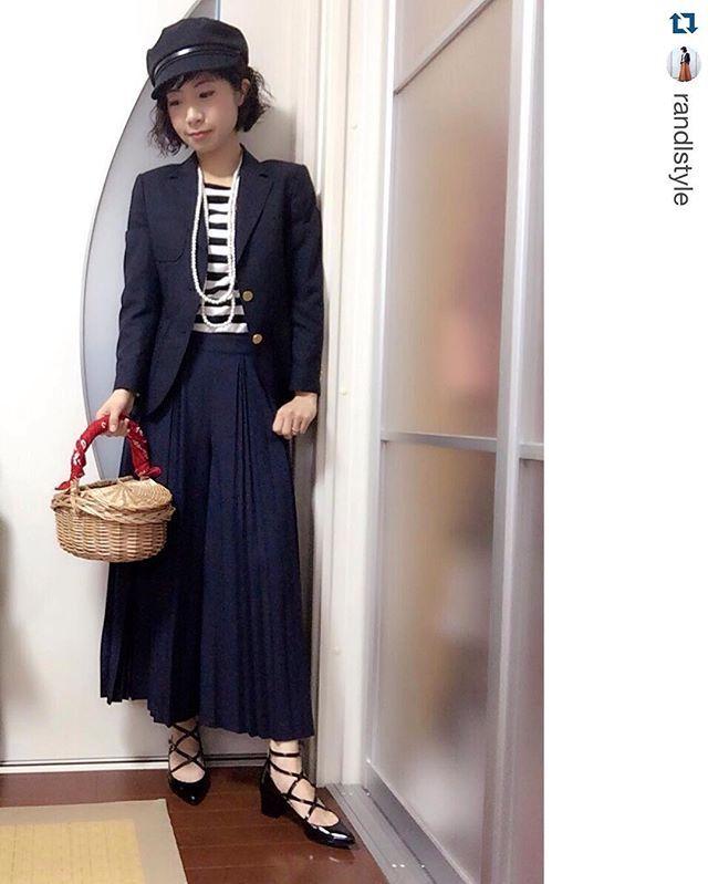 @randlstyle・・・#ボーダー を楽しむコーデ③今日は、トレンドのコレ(笑)を使った合わせ方。夕方UP予定のブログにて、詳細をご紹介しています(*^^*)宜しかったら、ご覧ください。ちなみに、コレはボツ案#code #ママコーデ #ワーキングマザー #ponte_fashion #関西 #kiwamezyoshi #スカーチョ #gu #gumania #muji