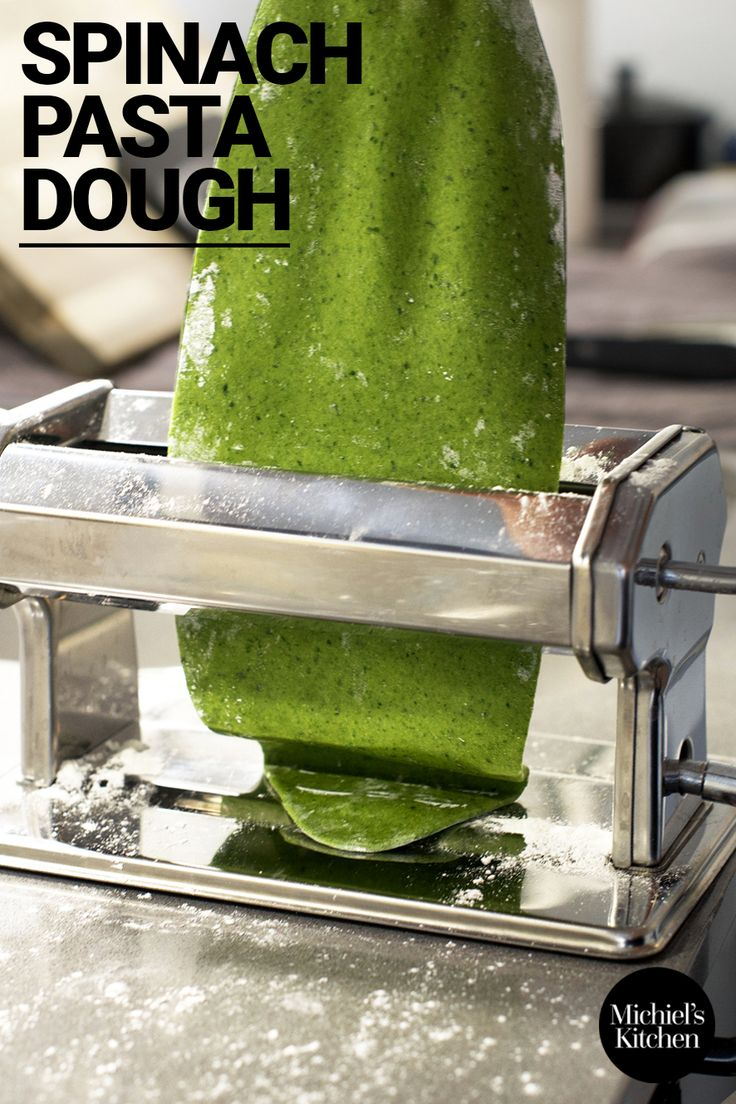 The ultimate recipe for authentic, delicious and beautiful green-coloured spinach pasta dough!