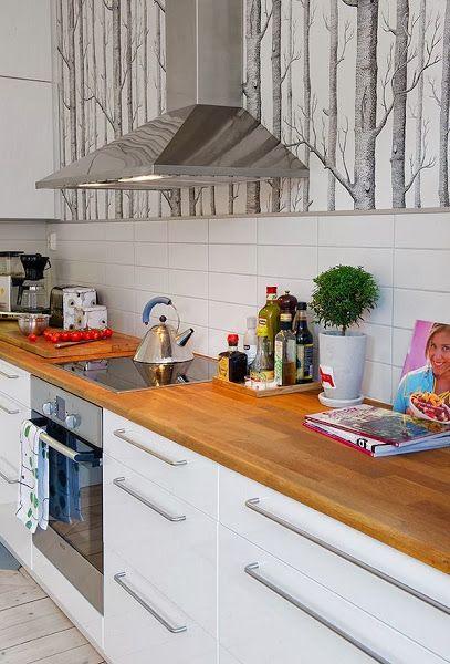 cocina estilo nordico con papel pintado