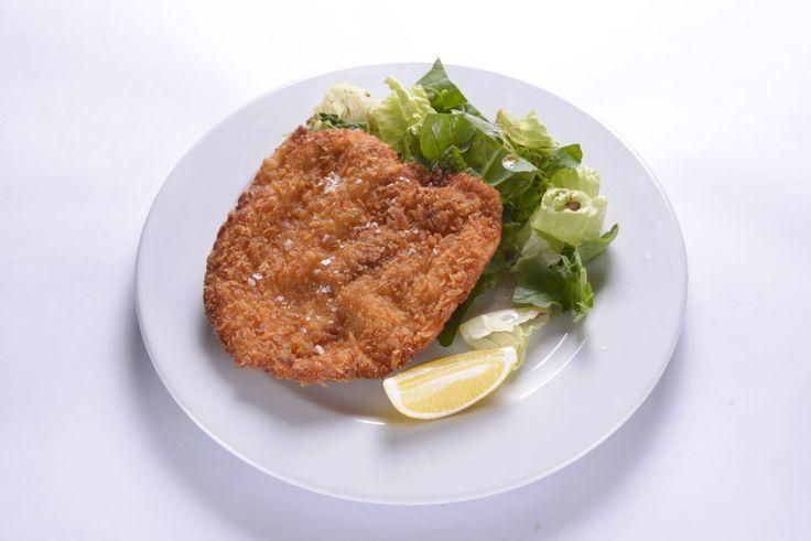 Tavada kızartılmış pane tavuk göğsü, balzamik sirkeli taze roka yaprakları ve marul… Milanese Di Pollo bu öğün sizin için iyi bir seçim olacak.