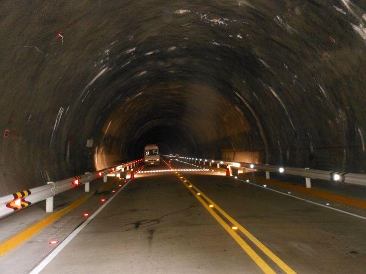 En Puno existe la ruta de la Interoceánica que es una carretera que conecta con Brasil y un paisaje bello que además, cuenta con los túneles más largos del Perú de hasta 1.8 kilómetros, en una carretera totalmente asfaltada.   Con esta y otras carreteras recientemente construidas, Puno es la región que cuenta con la mayor extensión de vías asfaltadas de todo el Perú, que bordean los 1,500 km.