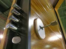 Cerrajero El Puig ofrece un servicio 24 horas para la apertura de su puerta. valenciacerrajeros.es