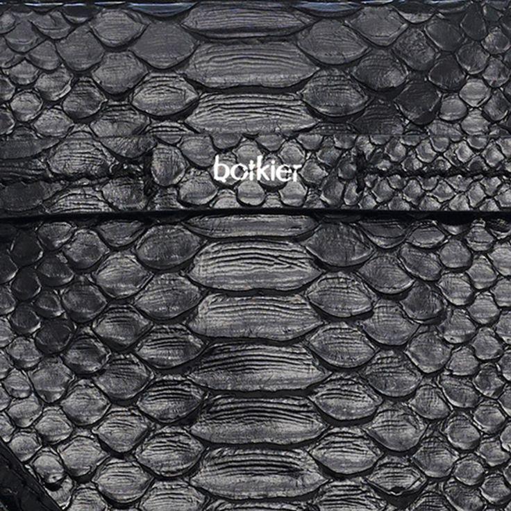 14h0181_leroy-satchel-anaconda-black_detail3_4