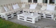 Terraza hecha con palets y con estilo   Muebles con palets