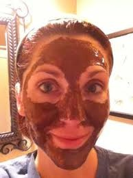 original pin: Take a good tablespoon of honey and about half a teaspoon of cinnamon and mix in a little mixing bowl until it makes a paste (make sure you aren't allergic to cinnamon, test inner arm) then apply to face and let set for an hour!  Your skin will look beautiful and radiant!  This is a great acne treatment, you can use it once a week! :)