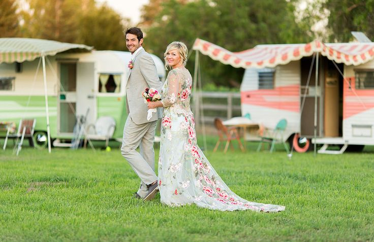 Stunning Pictures From Jennie Garth's Gorgeous Wedding!