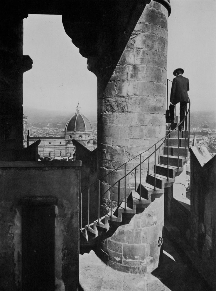 Palazzo Vecchio e Duomo, Firenze, 1889-Fratelli Alinari. This picture was taken 100 years before I was born. I will be there this May!