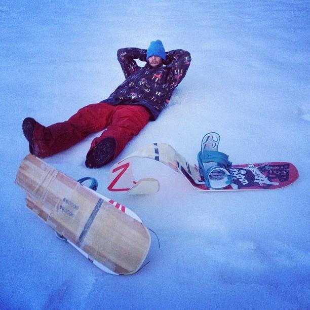 "@aemka's photo: ""Byebye global warmer , you've been good to me... Best board ever  #snowboard #destroyer #winterlivin #bataleon"""