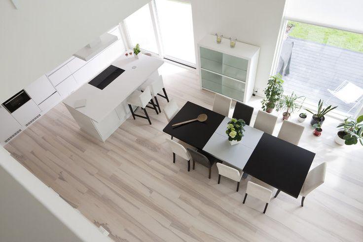 Kivitalon avoin ja tilava ruokailutila, lisää ideoita www.lammi-kivitalot.fi