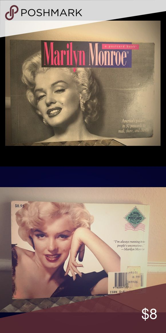 Rare Marilyn Monroe postcard book Rare Marilyn Monroe postcard book , full of 30 beautiful postcards, great condition Other