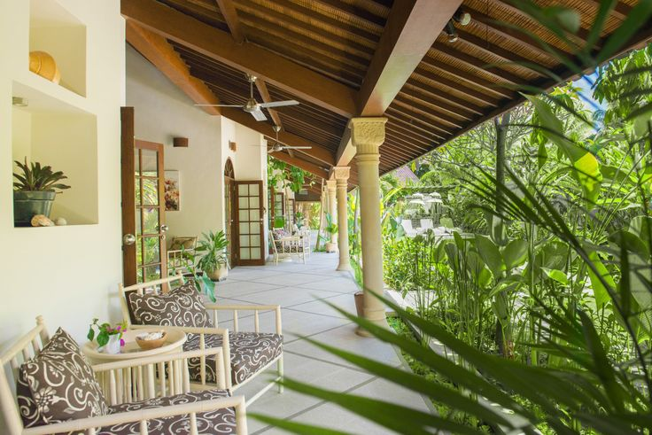 Villa Ahh is perfectly designed to suit the whole family or a group of friends who each needs their own space.