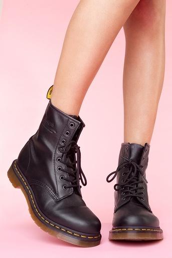 Classic 8 Eye Boot - Black